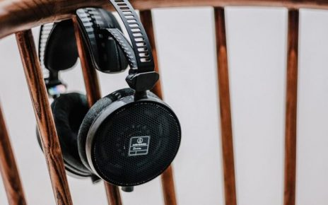 How Podcasting Boosts Your Following