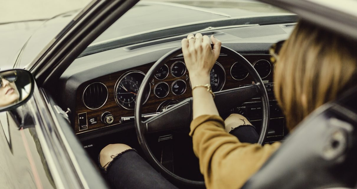 How to find the best driving school without your budget?