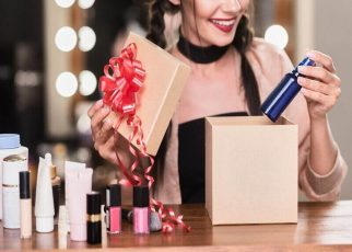 Custom Cosmetic Boxes a Mirror Image of Your Cosmetic Brand - letsaskme guest post