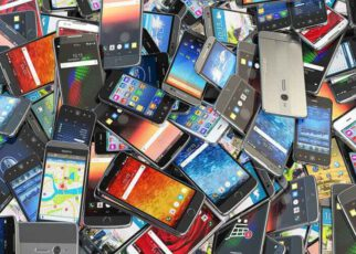 5 Ways to Use Your Old Phone